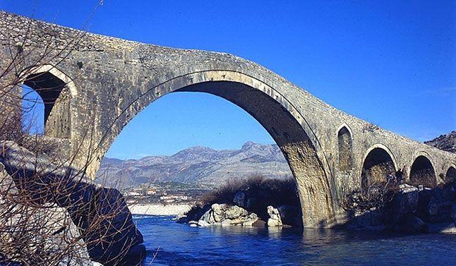 Il ponte di Mezzo tra le 10 cose da vedere a Scutari